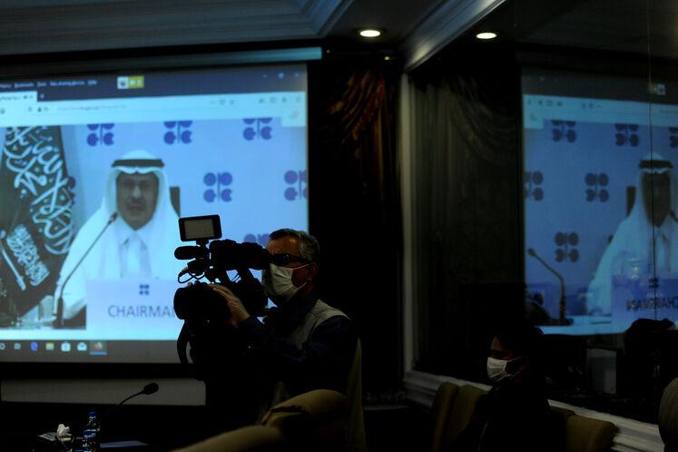 تصویر عبدالعزیز بن سلمان، وزیر انرژی عربستان در نهمین نشست فوقالعاده اوپک پلاس از طریق وبینار