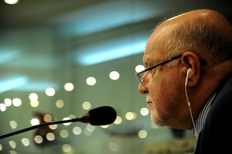بیژن زنگنه، وزیر نفت در نهمین نشست فوقالعاده اوپک پلاس از طریق وبینار