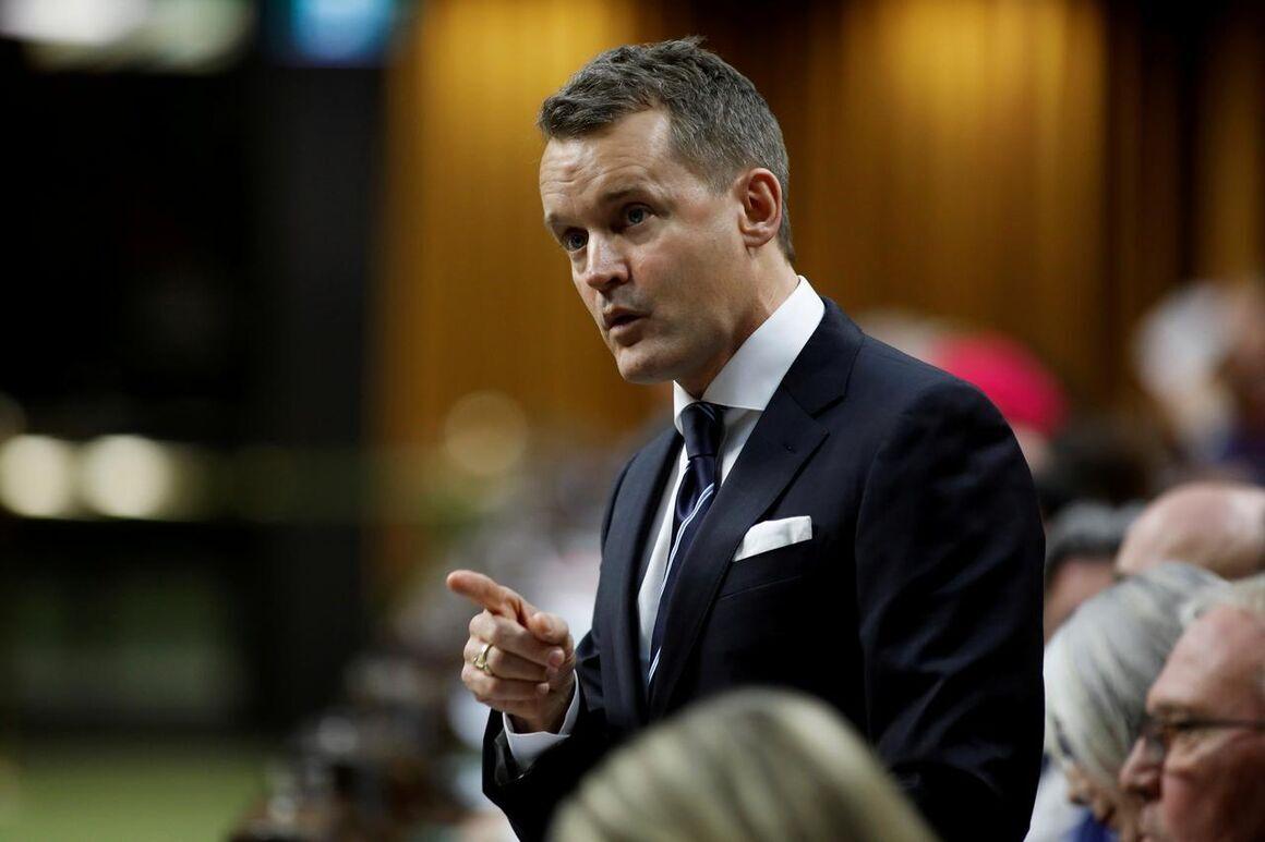 کانادا از توافق کاهش تولید اوپک استقبال کرد