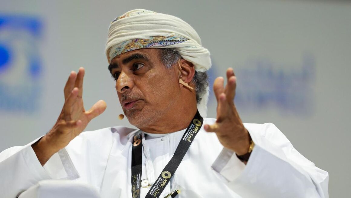 عمان از یکم مه برنامه کاهش تولید خود را اجرایی میکند