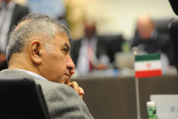 وزیر امور خارجه در پیامی درگذشت حسین کاظمپور اردبیلی را تسلیت گفت