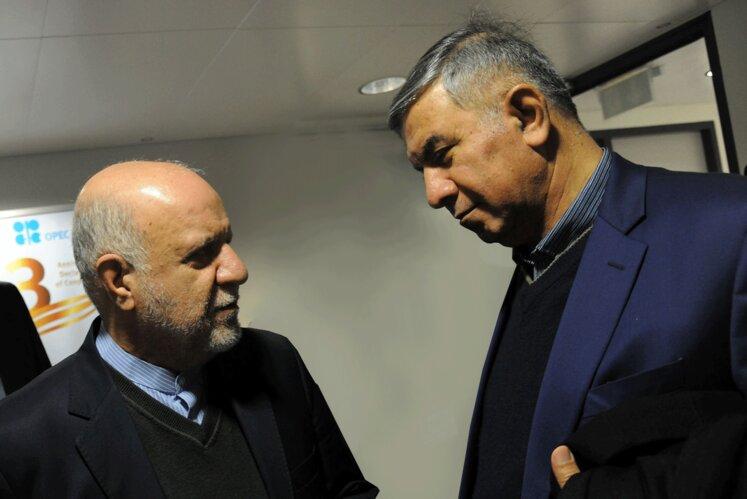 حسین کاظمپور اردبیلی، نماینده متوفی ایران در هیئت عامل اوپک به همراه بیژن زنگنه، وزیر نفت
