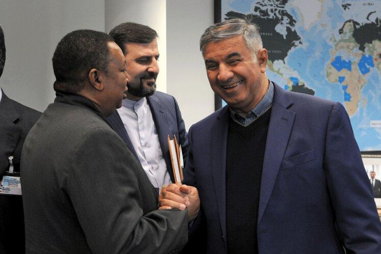 حسین کاظمپور اردبیلی، نماینده متوفی ایران در هیئت عامل اوپک و محمد سانوسی بارکیندو، دبیرکل اوپک
