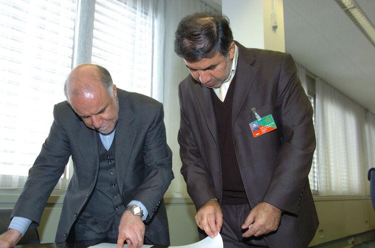 حسین کاظمپور اردبیلی، نماینده متوفی ایران در هیئت عامل اوپک و بیژن زنگنه، وزیر نفت