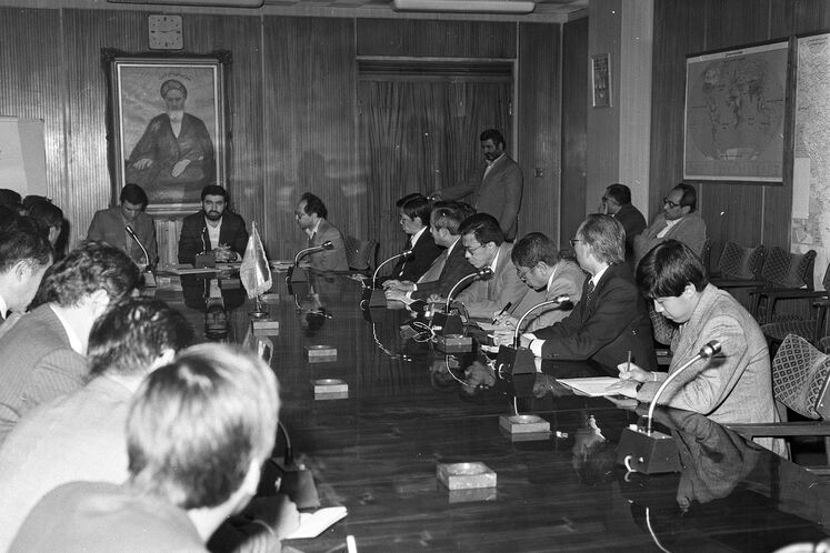 Meeting with Japanese delegation, 1985