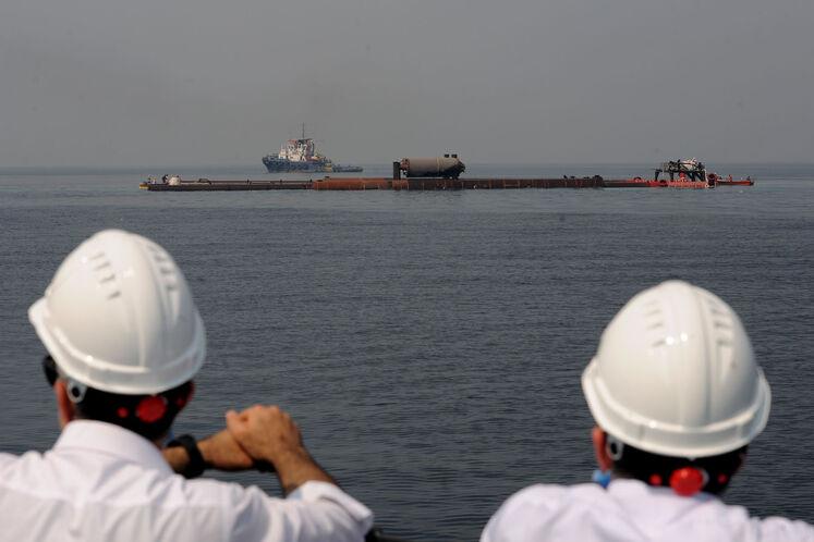 پایان آب اندازی پایه نخستین عرشه دریایی طرح توسعه فاز ۱۱ پارس جنوبی