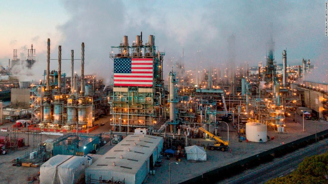 تولید نفت آمریکا در ماه اوت ۳.۶ درصد کاهش یافت
