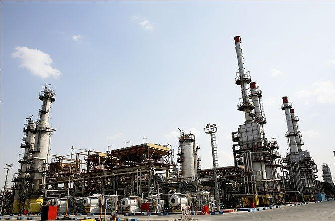 Iran Nearly Self-Sufficient in Manufacturing Refinery Parts