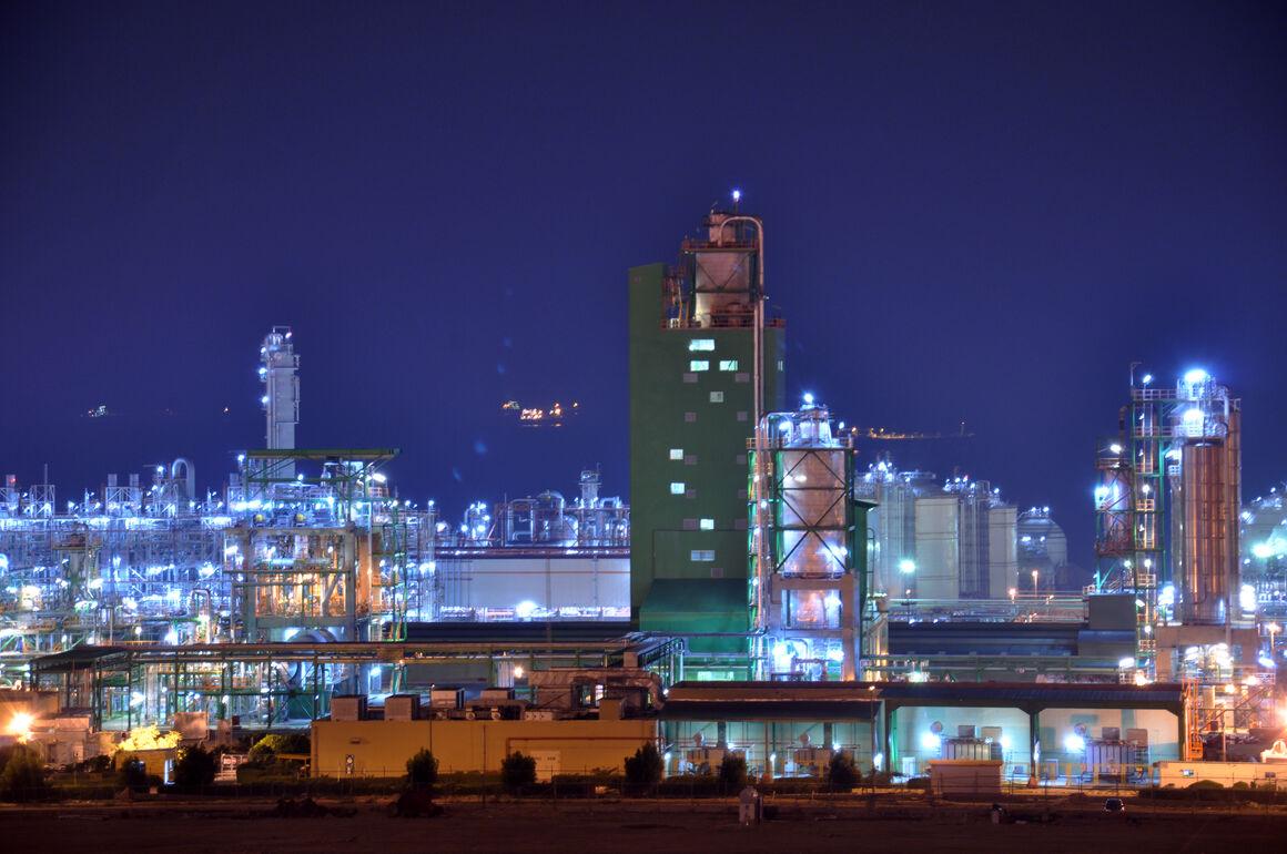 ثبت رکورد تازه تولید پلیاتیلن سنگین در پتروشیمی مهر