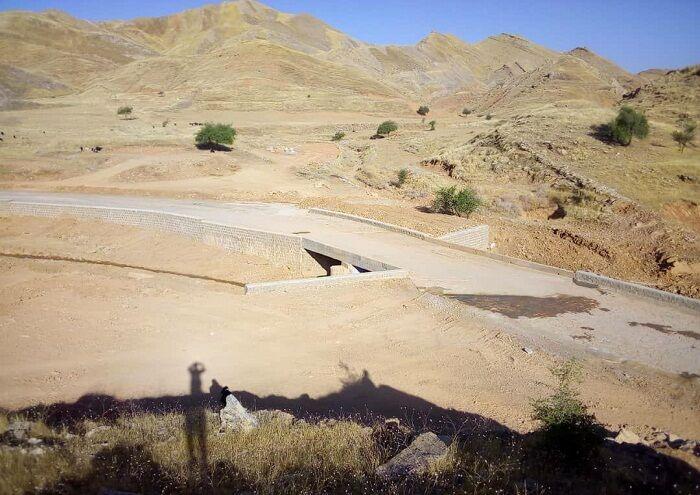بهسازی جادههای سلیران به همت نفت و گاز مسجدسلیمان