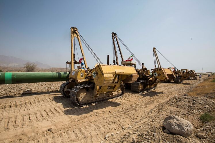 آیین آغاز به کار رسمی عملیات احداث خط لوله انتقال نفت خام گوره به جاسک