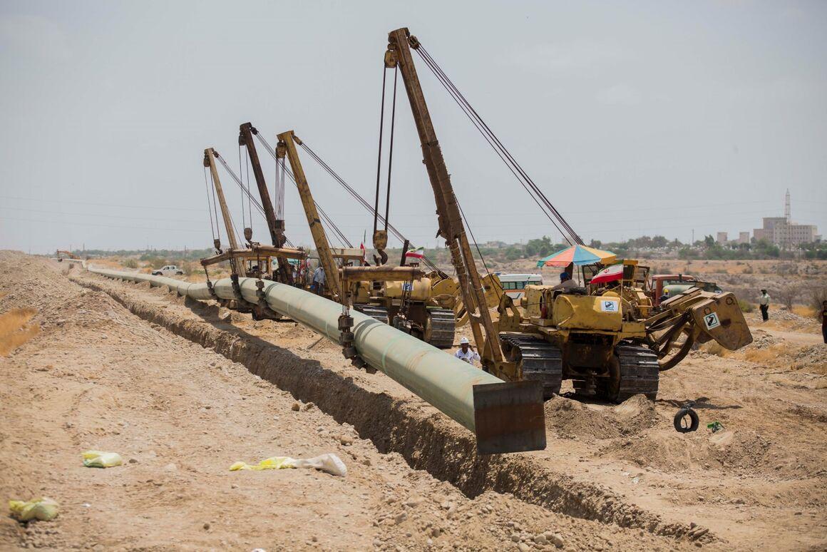 تضمین استمرار صادرات نفت خام با اجرای خط لوله گوره - جاسک