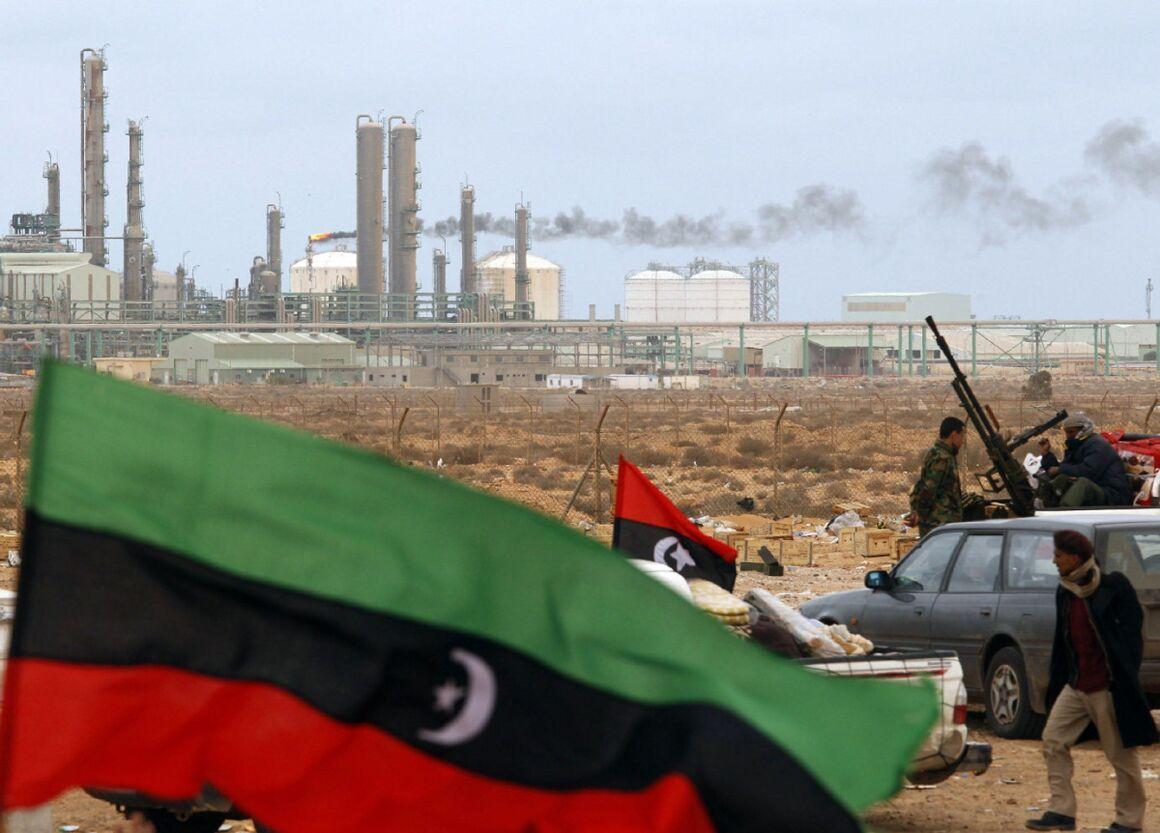 دستهای پنهان امارات در محاصره نفتی لیبی