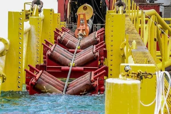 Kish-Garzeh Marine Pipe-Laying Operation Complete