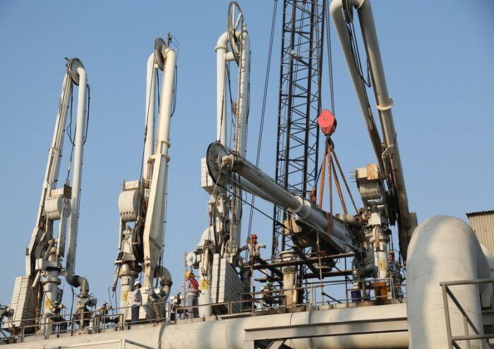 بازوی بارگیری نفت در خارک با توان داخل تعمیر شد