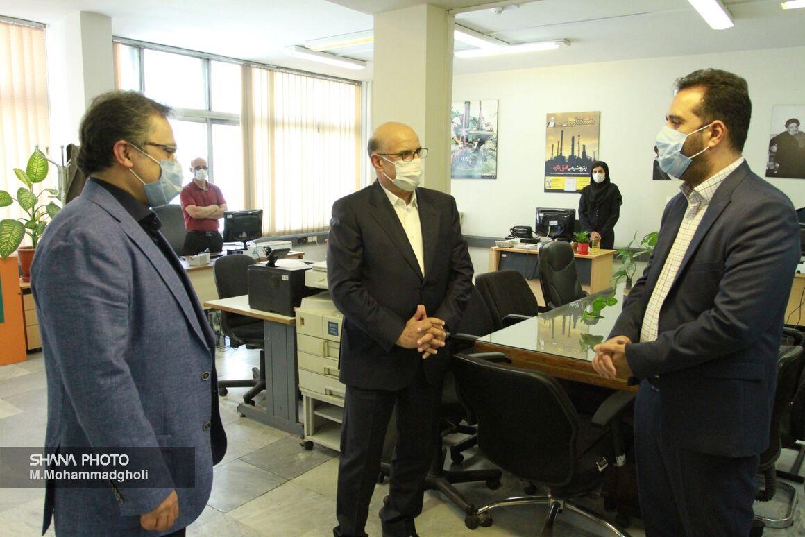 بازدید معاون وزیر نفت در امور پتروشیمی از رسانههای وزارت نفت
