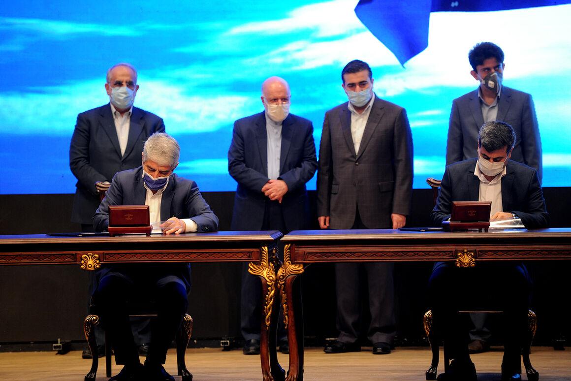 آیین امضای ۱۳ قرارداد طرح نگهداشت و افزایش تولید نفت