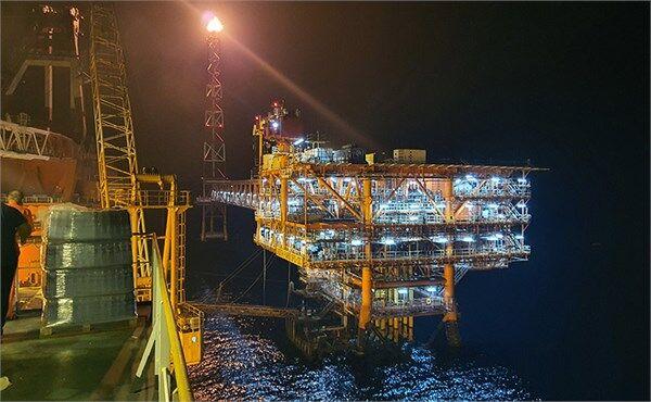 سومین سکوی فاز ۱۳ پارسجنوبی آماده تولید گاز شد