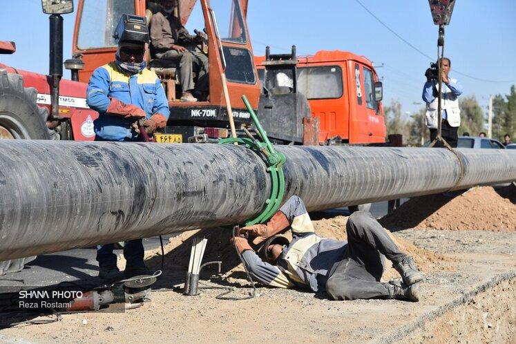 خط انتقال گاز ۳۶ اینچ زاهدان - دوراهی دشتک یکی از مهمترین طرحهای شرکت مهندسی و توسعه گاز ایران است که به طول ۱۱۰ کیلومتر با همراهی بخش خصوصی در حال احداث است. مطابق برنامه از پیش تعیینشده و براساس پیشرفت فیزیکی ۵۰ درصدی کنونی، این خط تا نیمه نخست سال ۹۹ به بهرهبرداری خواهد رسید.
