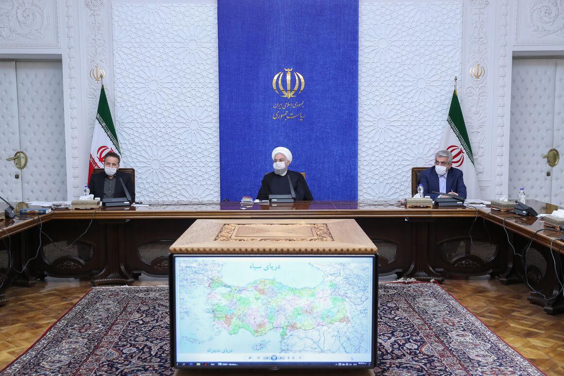 روحانی: وزارتخانهها برای گسترش روابط خارجی وارد عرصه شوند
