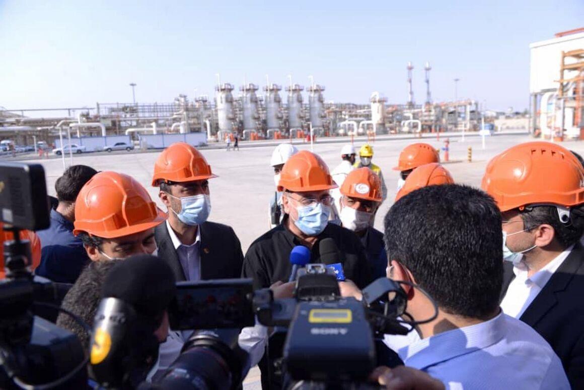 پیگیری طرحهای نفتی و بهکارگیری نیروهای بومی در پالایشگاههای خوزستان