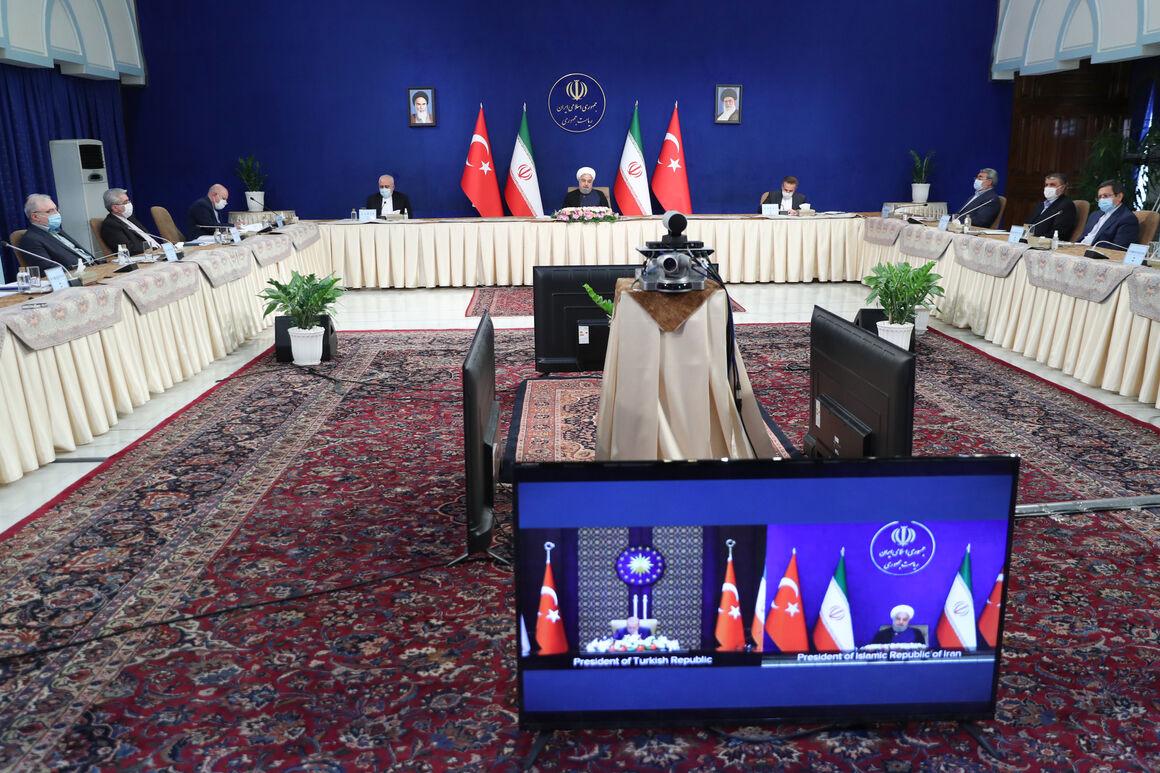 تأکید رؤسای جمهوری ایران و ترکیه بر ادامه همکاری در بخش انرژی