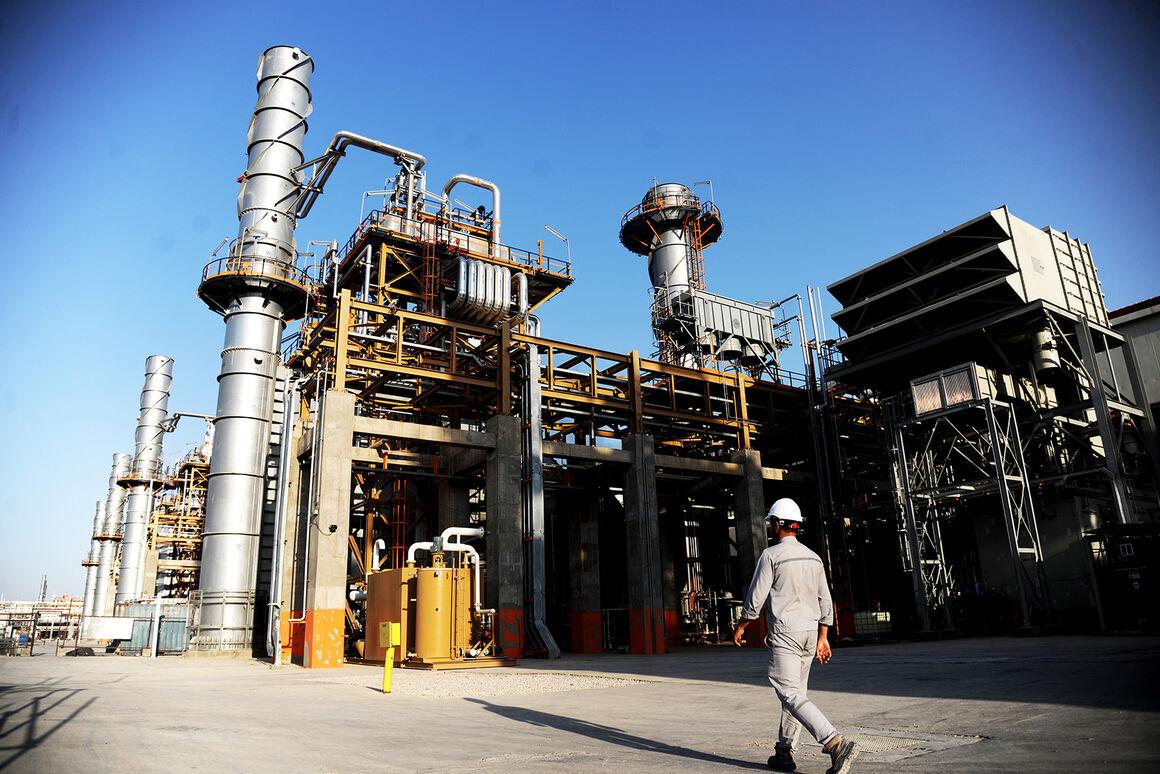 پنجمین محموله از محصولات پالایشگاه بیدبلند خلیج فارس صادر شد