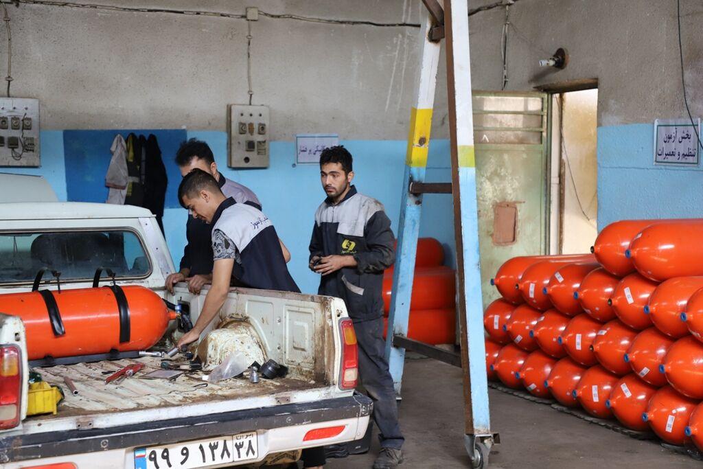 بیش از ۲ هزار خودرو عمومی در منطقه میاندوآب دوگانهسوز شدند
