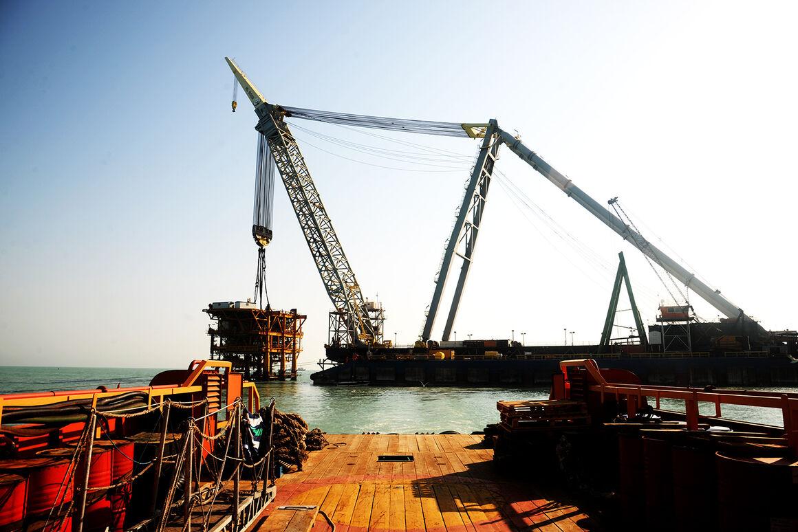 زمینه افزایش ۲۰ هزار بشکهای ظرفیت تولید نفت هندیجان فراهم میشود