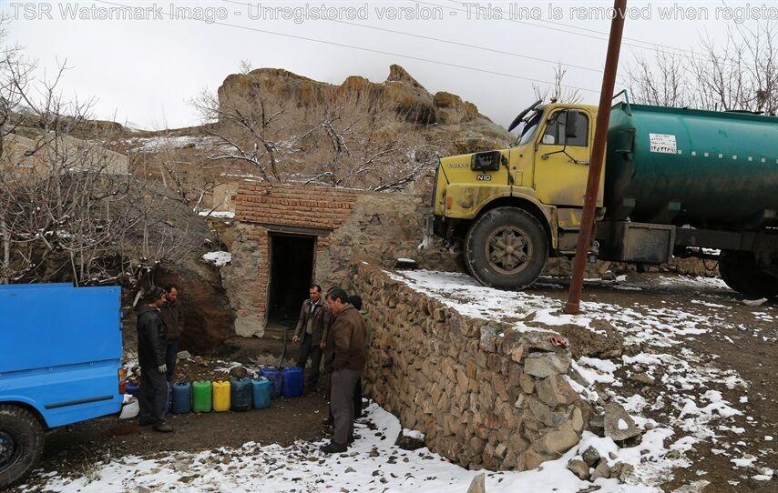 ذخیرهسازی نفت سفید روستاهای سختگذر منطقه اردبیل آغاز شد