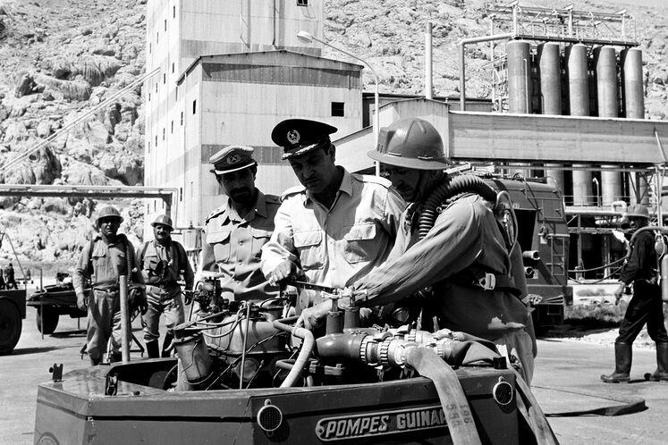 گروه آتشنشانی پتروشیمی شیراز دهه ۶۰ شمسی