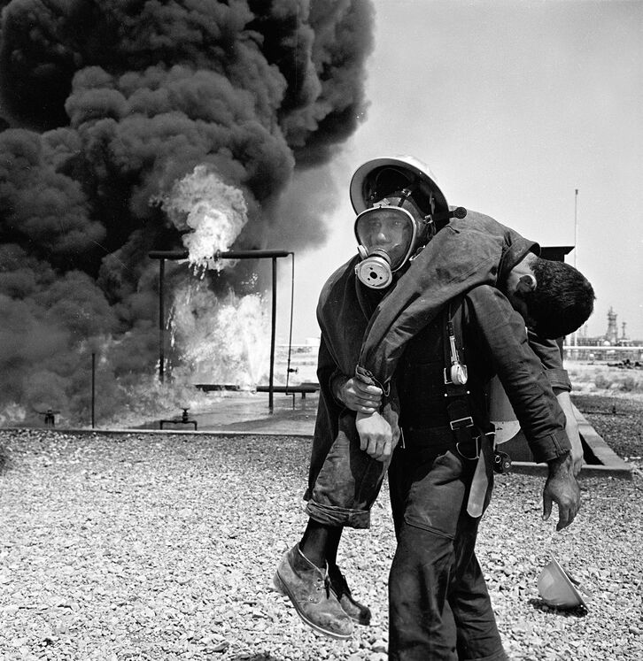 تمرین عملیات آتشنشانی پالایشگاه نفت تهران سال ۱۳۵۲ شمسی