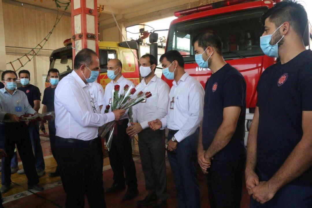 تجلیل از آتشنشانان منطقه ویژه پارس