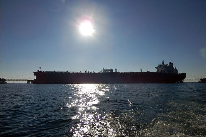نفتکش عربستانی در بندر جده طعمه حریق شد