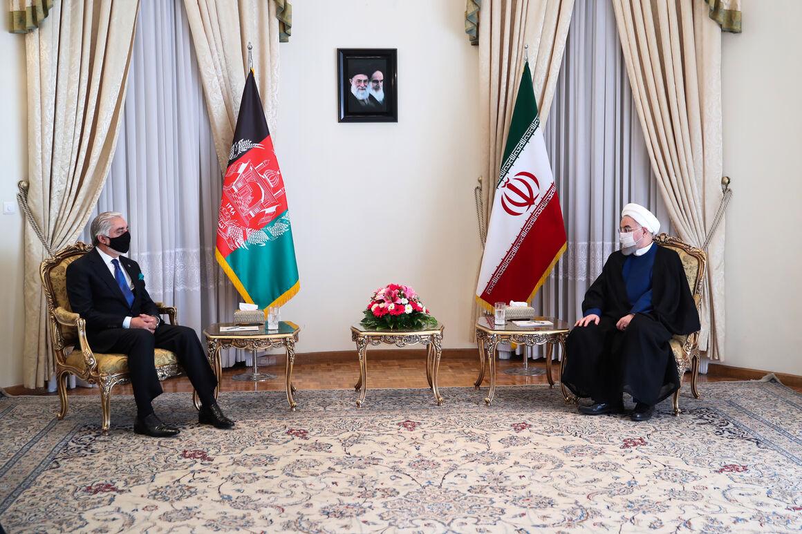 ایران آماده اتصال خط لوله گاز و فرآوردههای نفتی به افغانستان است
