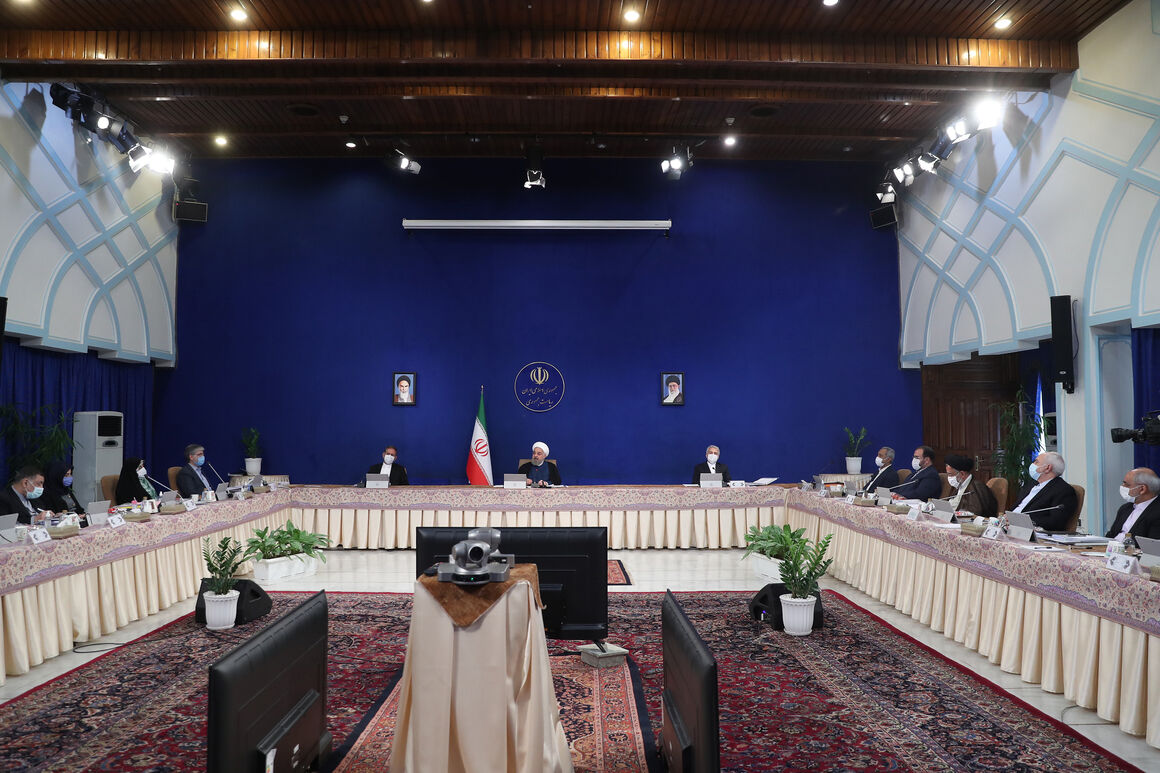 وزیران موظف به پیگیری دستورهای مهم رهبر انقلاب هستند