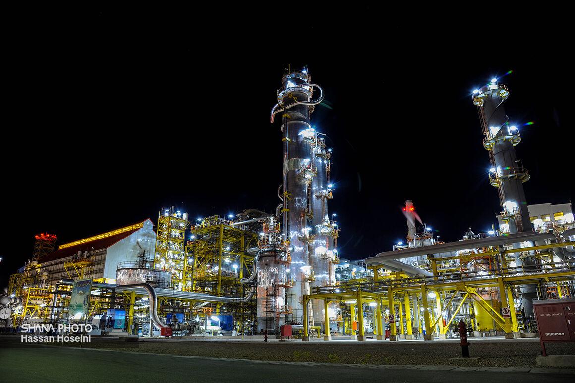بهرهبرداری طرحهای نفتی نشانگر توقفناپذیری توسعه در کشور است