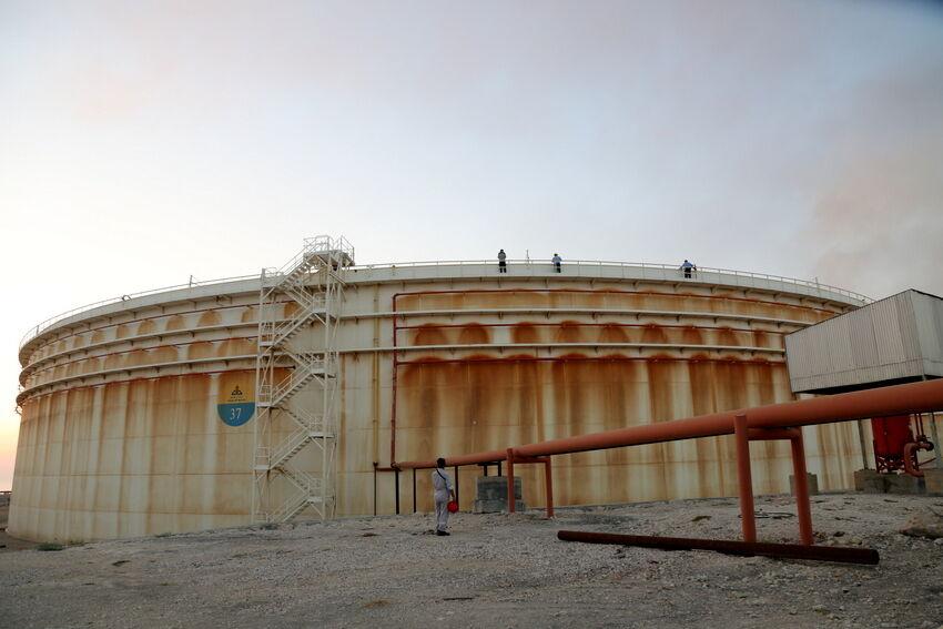 آمادگی نفت برای مقابله با شرایط نامساعد جوی در پایانه خارک