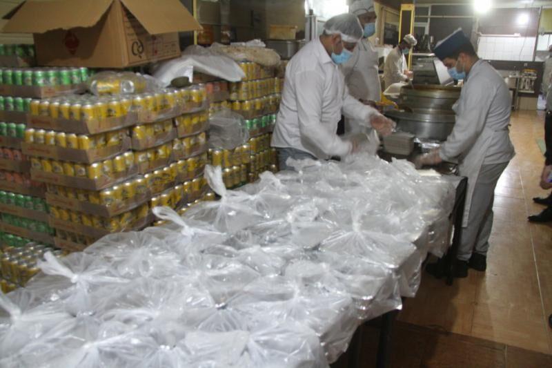 پتروشیمیها میان آسیبدیدگان بارندگی اخیر ماهشهر غذای گرم توزیع کردند
