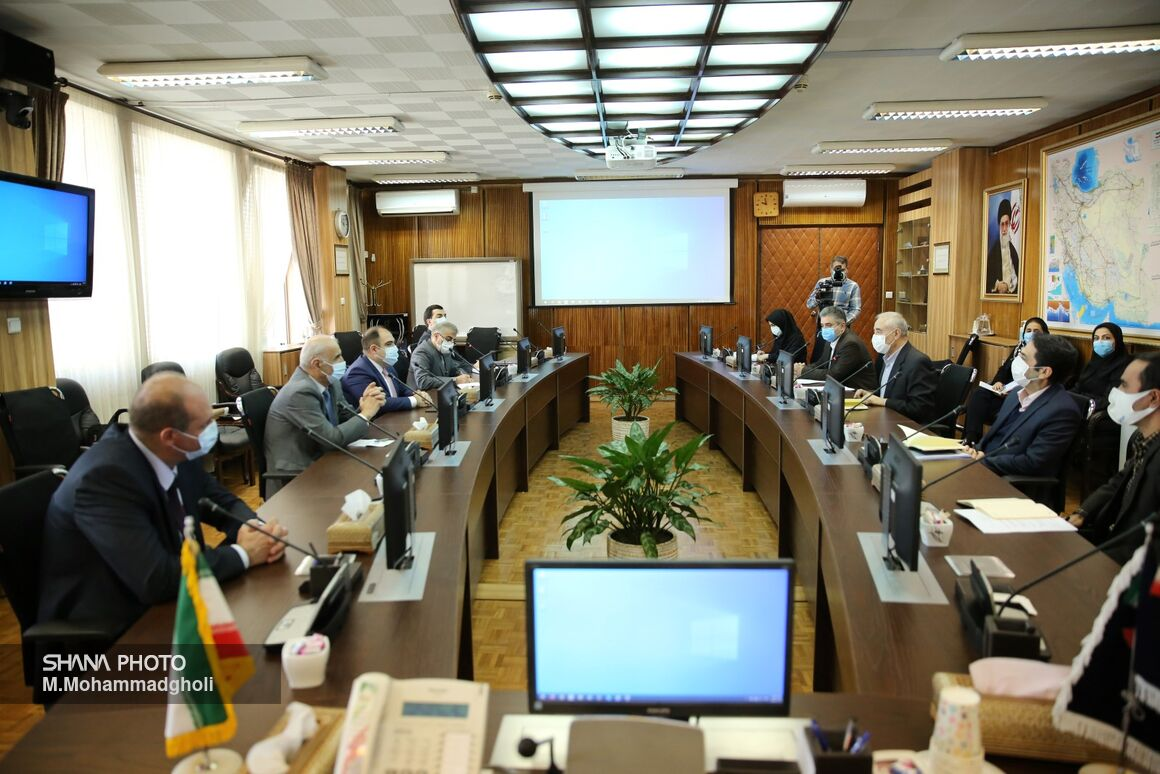 Iran, Armenia Discuss Gas Exports, Barter