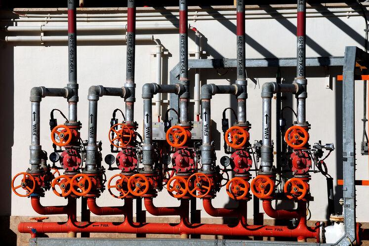 نمایی از تاسیسات پالایشگاه گاز بیدبلند خلیج فارس