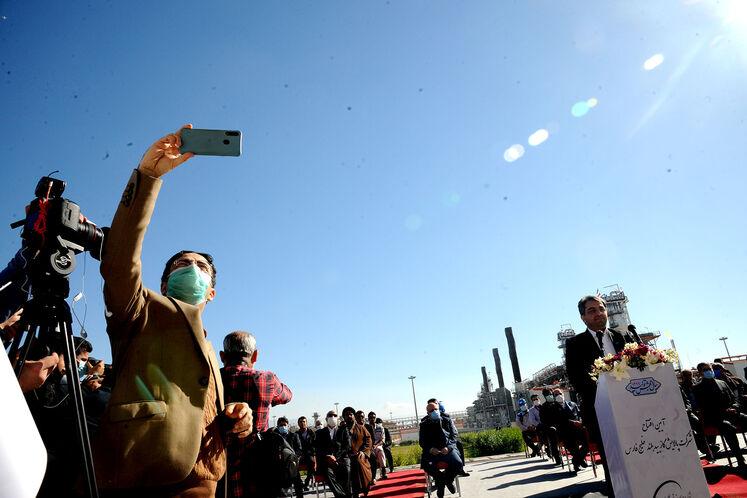 سخنرانی محمود امین نژاد، مدیر شرکت پالایش گاز بیدبلند خلیج فارس در آیین بهرهبرداری رسمی از  بزرگترین طرح جمعآوری و فرآورش گازهای همراه نفت ایران