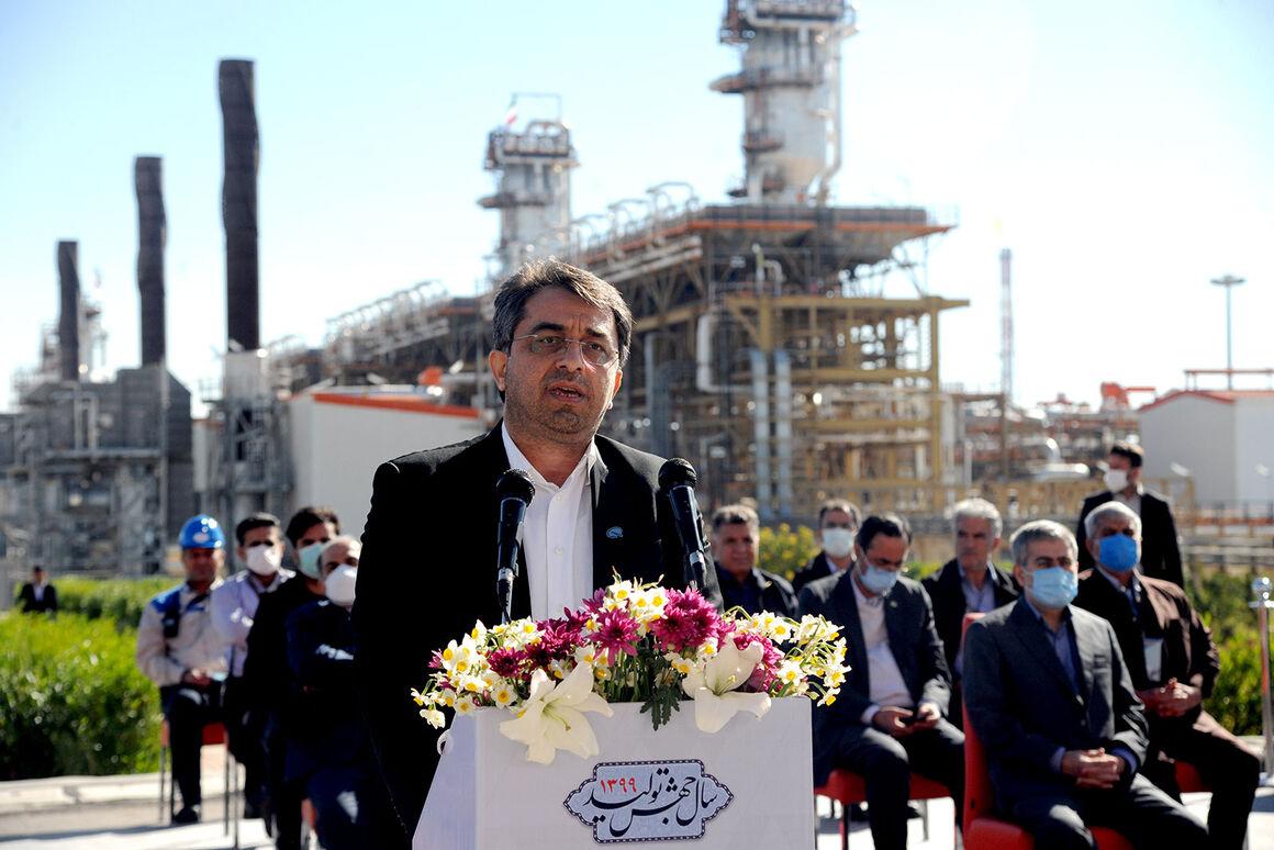 پالایشگاه بیدبلند خلیج فارس رویای ۱۱۰ ساله صنعت نفت را محقق کرد
