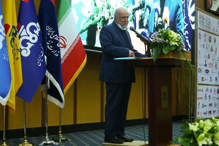 بیژن زنگنه، وزیر نفت آیین گشایش رسمی بیستوپنجمین نمایشگاه نفت، گاز، پالایش و پتروشیمی