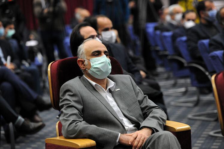 حمیدرضا مسعودی، مدیرعامل گروه پتروپارس بیژن زنگنه، وزیر نفت در آیین گشایش بیستوپنجمین نمایشگاه بینالمللی نفت، گاز، پالایش و پتروشیمی