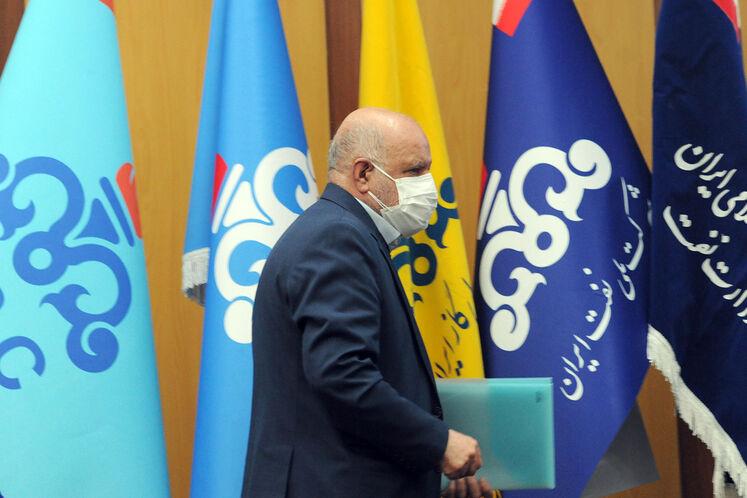 بیژن زنگنه، وزیر نفت در آیین گشایش بیستوپنجمین نمایشگاه بینالمللی نفت، گاز، پالایش و پتروشیمی