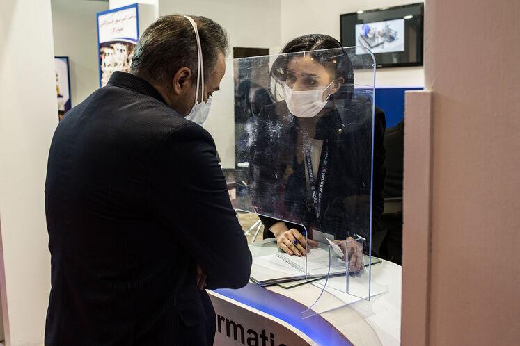 حاشیه روز نخست بیست و پنجمین نمایشگاه بینالمللی نفت ایران
