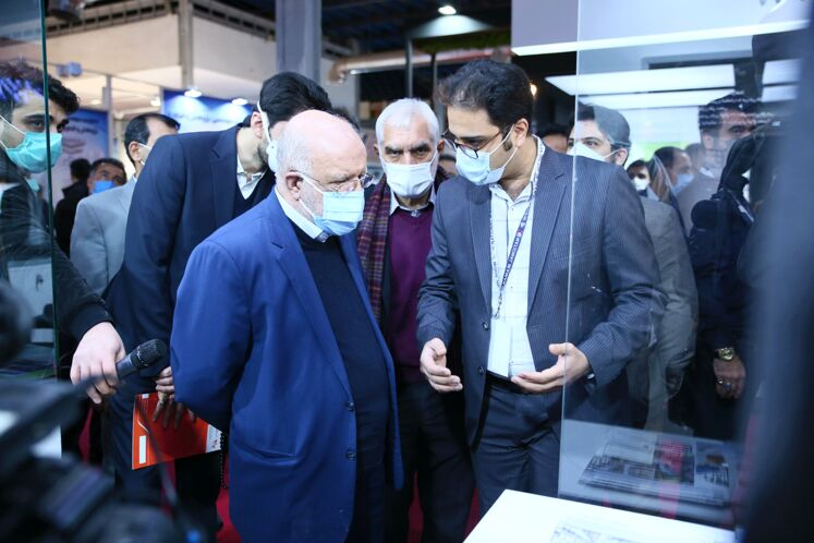بازدید وزیر نفت از بیستوپنجمین نمایشگاه بینالمللی نفت ایران