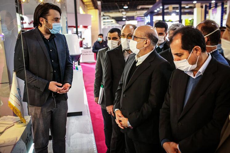 بازدید معاون وزیر نفت در امور پتروشیمی از بیست و پنجمین نمایشگاه بینالمللی نفت