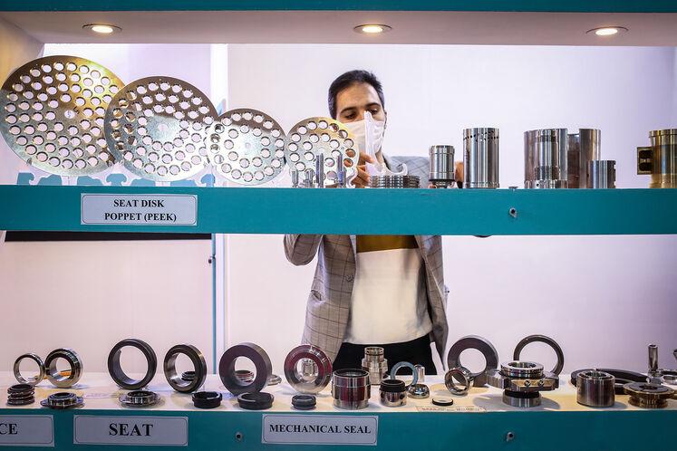 حاشیه روز دوم بیستوپنجمین نمایشگاه نفت ایران